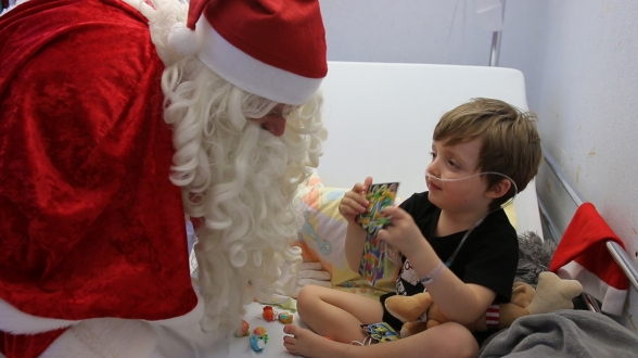 Mais comme chaque année, le Père Noël passait aussi dans les chambres.