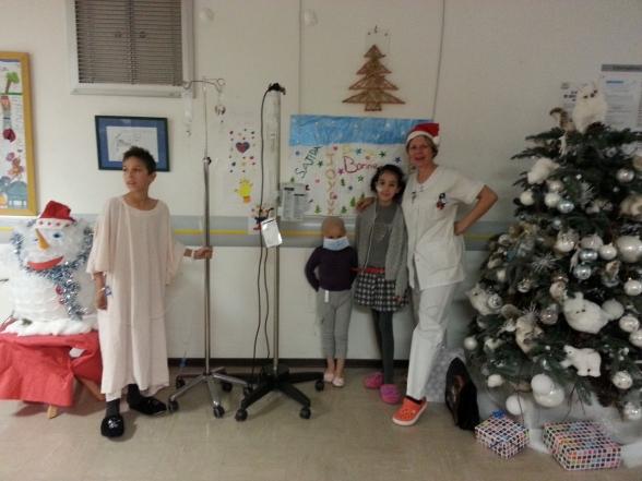 .. la salle de Noël en pédiatrie à Nîmes