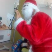 Et voici maintenant le Père Noël à La Réunion...