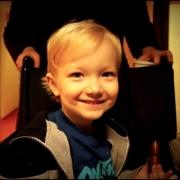 Aaron a 3 ans et il va rencontrer le Père Noël